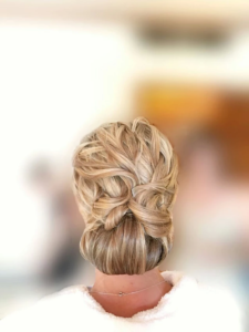 Beautiful Hair style for wedding in Coast Brava